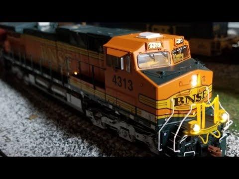 Review: ScaleTrains.com HO Dash 9 Loco W/ESU LOKSound V5.0, 9-44CW C40-9W C44 Scale Trains