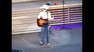 JUSTIN MOORE ........FLYING DOWN A BACK ROAD LIVE AT SEA WORLD mp3