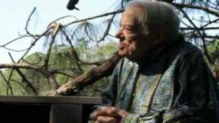 Download Video Leslie Oldt: 105 Years Young talks about investing MP3 3GP MP4