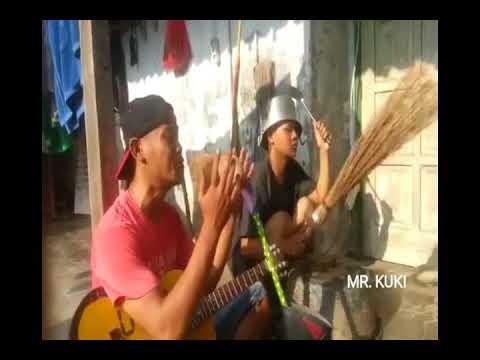 Band Koplak Sapu Ijuk Dijadiin Microfon