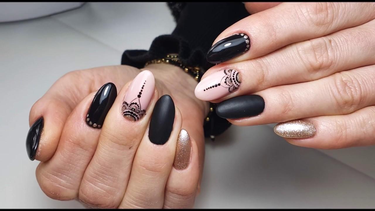 Wzorek paznokciach czarny na walentynki na