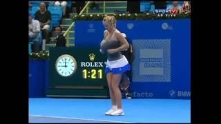 Wozniacki Imitates Serena - Very Funny Tennis Moment!