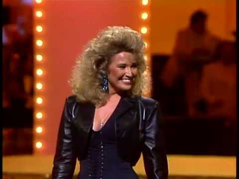 Tanya Tucker If It Don T Come Easy Live Youtube