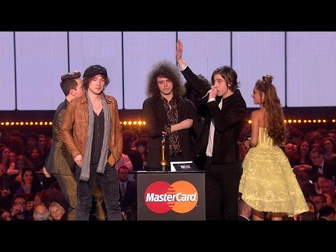 Catfish and the Bottlemen win British Breakthrough Act | The BRIT Awards 2016