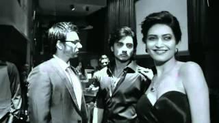 karishma tanna boob show super hot
