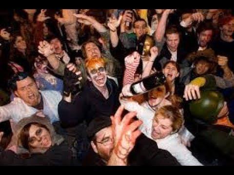 street preacher vs drunks at halloween pubcrawl