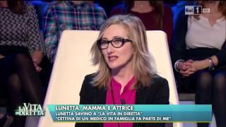 """Guarda il video integrale http://bit.ly/19pqqddhttp://www.lavitaindiretta.rai.it - """"cettina di un medico in famiglia fa parte me"""". lunetta savino a la vit..."""