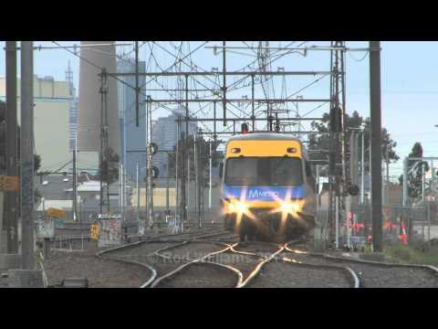Melbourne Metro : Australian Trains : Comeng EMU's