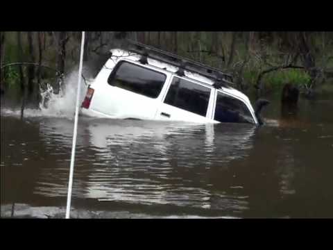 The most spectacular river crossing by car. 4x4 off road