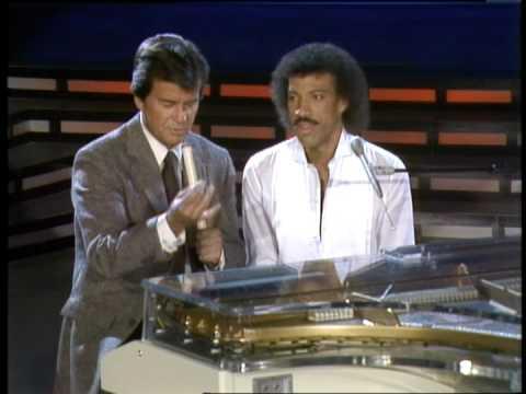 Dick Clark interviews Lionel Richie - American Bandstand 1982