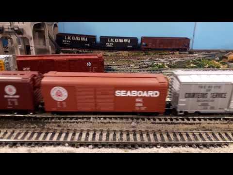 Seaboard Coast Line Railroad HO Scale Freight Train