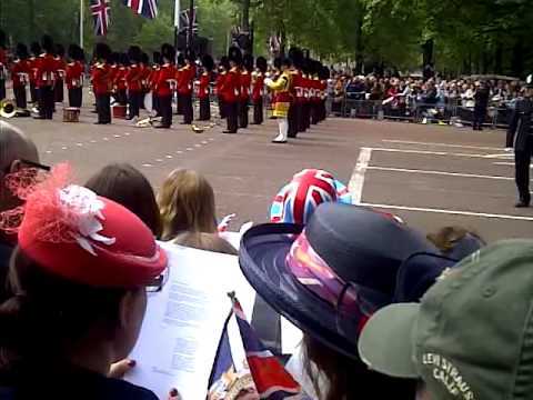 Congregation singing Jerusalem at Royal Wedding