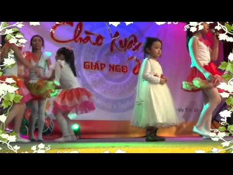 Thái Nam ►Múa mừng xuân,các bé thiếu nhi,tết cộng đồng 2014-Teplice.