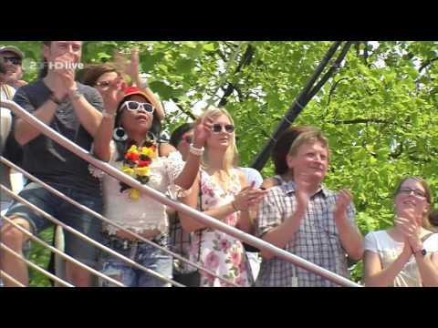 Night Fever - Bee Gees Medley (ZDF-Fernsehgarten - june 05, 2016)