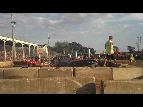 Full Size Car Semi Final Heat Demolition Derby 2016