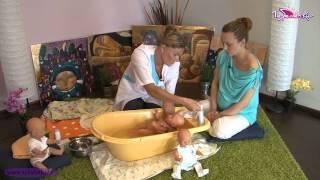 видео Видео: Как купать новорожденного ребенка?