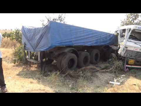 Vehicle Accident on Road at  Ner parsopant to Amravati Road Triple collide wrong overtaking