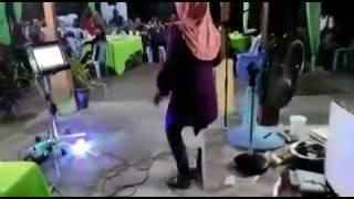 Viral!!! Makcik Nyanyi Lagu Perawan Atau Janda