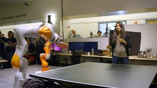 بالفيديو ... روبوت جديد يمكنه لعب بينج بونج والتغلب عليك