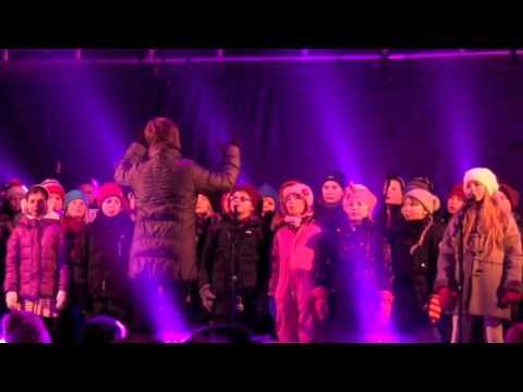 """Fjerde trinn synger  """"Jul i Tromsø"""" 02.12.12"""