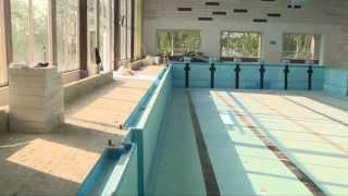 Oprava bazénu i zbrojnice, ve městě to žije