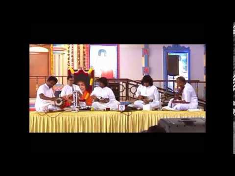 Padma Shri Mandolin USrinivas - Vatapi Ganapatim...