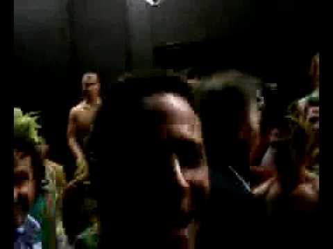 Rossovu lesbickou exmanželku Carol hrála ve druhé epizodě Složité vztahy Anita Baron.