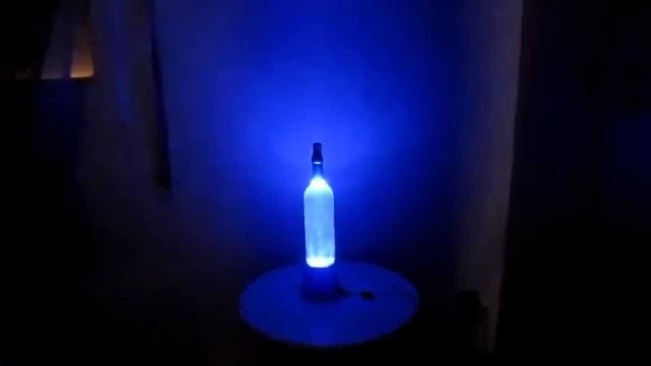 Como hacer una lampara con una botella iluminaci n led - Lamparas originales recicladas ...