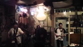長崎市内のライブハウス「CrazyHorce」のライブ。 1組目のfujiwara-proj...