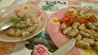 Как приготовить Клецки картофельные ньокки Рецепт галушки на второе и куриный суп с клецками первое(Суп с клецками на первое или картофельные галушки на второе (ньокки). Курица 500 гр. Яйцо 2 шт. Картофель 600..., 2015-11-13T12:22:44.000Z)