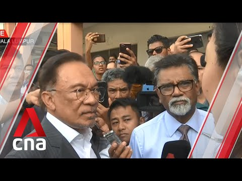 Download  Anwar Ibrahim's first comments on Malaysian PM Mahathir Mohamad's resignation Gratis, download lagu terbaru