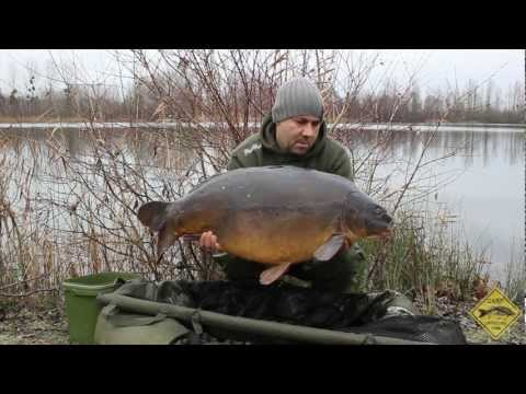 CARP FISHING IN WINTER AT ABBEY LAKES
