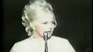 Watch Peggy Lee Is That All There Is video