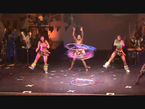 Mother Africa Hulahopp2 (circus der Sinne 2009)