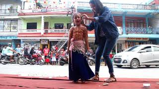 Anusa 7 years old baby dance in kale dai kale dai in vailo...