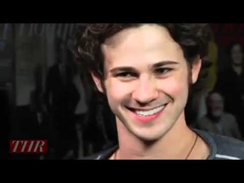 Co Star Taylor Momsen Connor Paolo On Gossip Girl 2013
