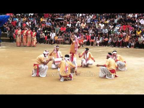 This is how Assamese people perform Bihu dance