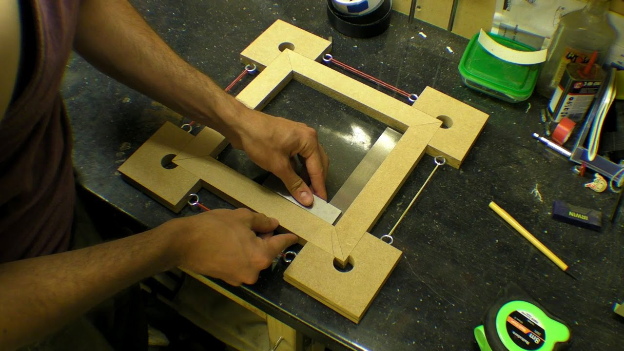 picture frame / box / corner clamps - four corner blocks with rubber bands