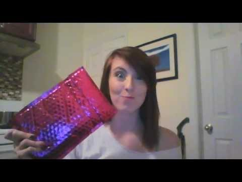 ipsy UNBOXING! November 2015 **FIRST VIDEO**