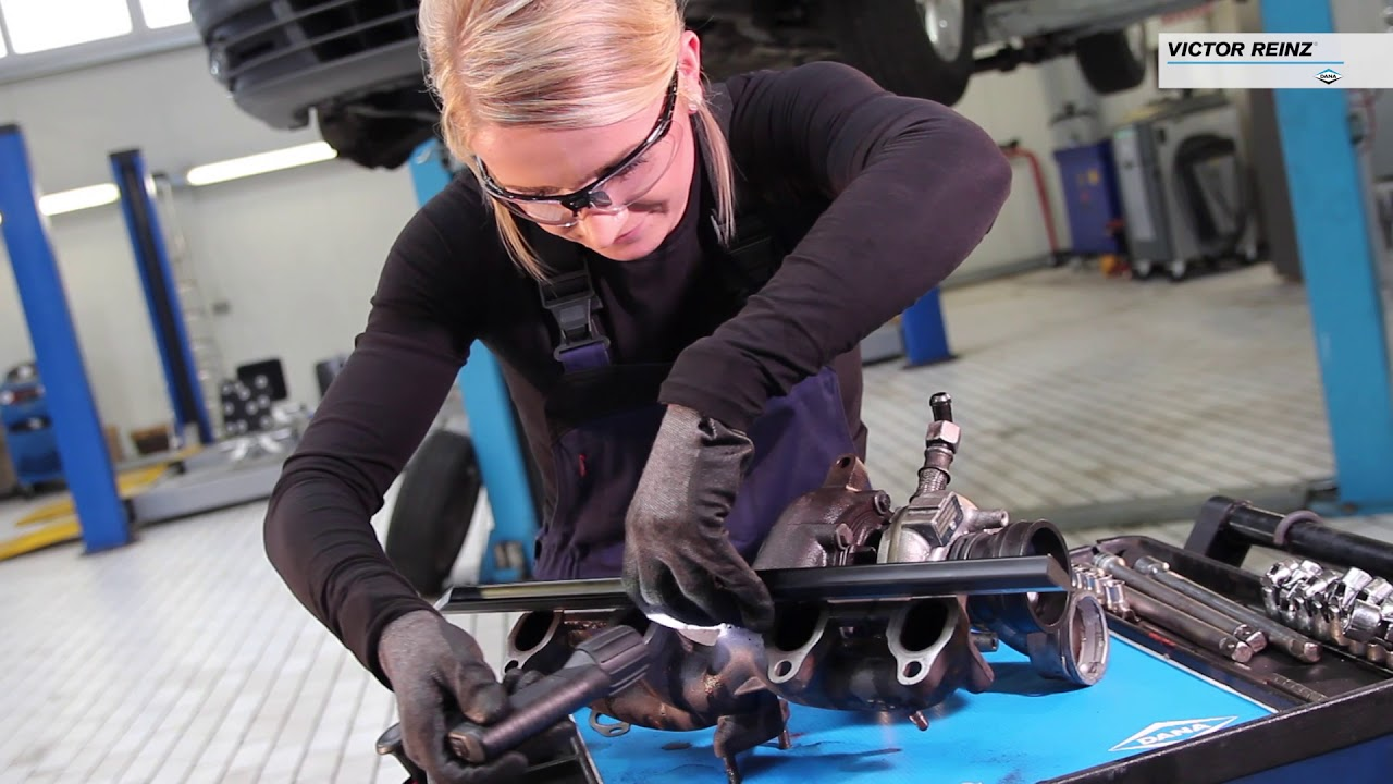 How To Replace Catalytic Converter >> How to replace an exhaust manifold gasket – professional ...