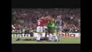 Video The Final 3 Mins- Man United v Bayern Munich 1999- Rare Pitch Side Footage- Champions League Final download MP3, 3GP, MP4, WEBM, AVI, FLV Agustus 2018