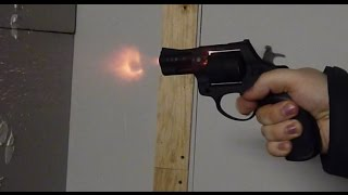 Стрельба из сигнального револьвера Лом-С/Lom-S 5.6x16(КУПИТЬ МОЖНО ТУТ: Наша группа в ВК: http://vk.com/top_guns_ru Наш сайт: http://top-guns.ru Купить охолощённое оружие: http://shp-oruzh..., 2015-03-03T17:57:00.000Z)