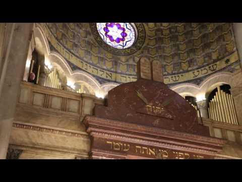 La Sra. Angela Merkel en el templo de la calle Libertad de YouTube · Duración:  4 minutos 51 segundos