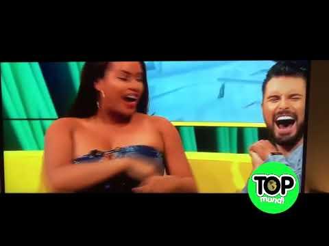 Los descuidos mas sexy de la tv en vivo thumbnail