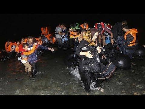 مهاجران به جزایر یونان در نزدیکی ترکیه هجوم آورده اند