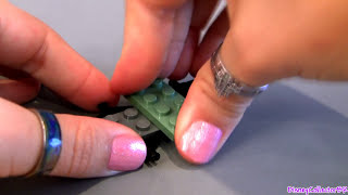 Lego Cars 2 Sarge Review How-to Build Disney Pixar Toys From 8487 Flo's V8 Cafe