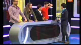 100 Peruanos Dicen...Los Pesaressi vs. Los Carlines jijij eeg internacional facebook
