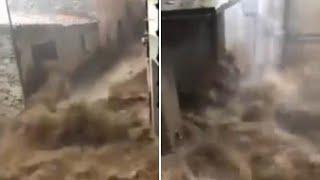 Alluvione a Bitti, in Sardegna: le immagini dell'onda di piena tra le case