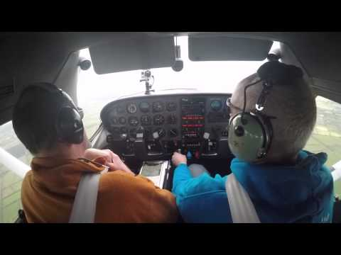 Flying Cessna 182 and an Introduction to the KAP140 autopilot