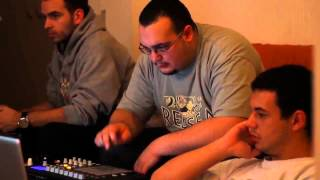 Living Room Beats - Making A Beat @ Dj Xb's Crib 2010 Hd